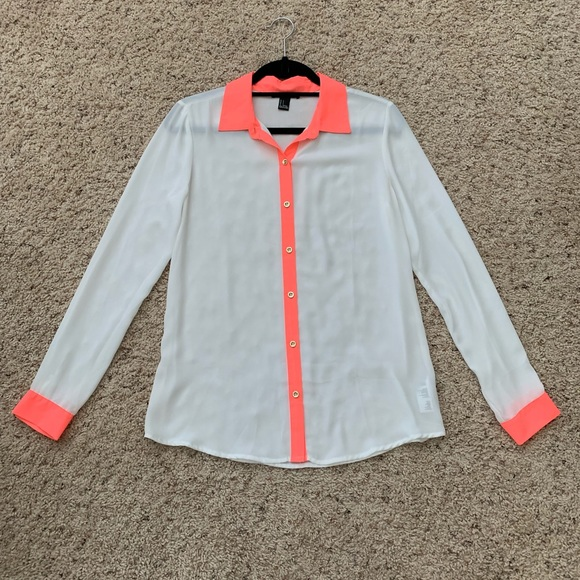 Forever 21 Tops - Forever 21 White Blouse w/Hot Pink Accent